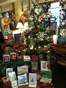 Islands Christmas tree with cards and other gift items